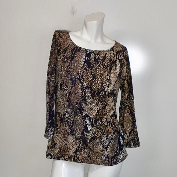 Anne Klein Tops - Ann Klein trendy snakeskin print pullover #G15